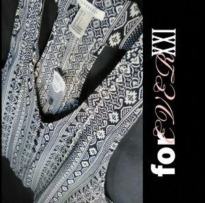 XXI Woven Sleeveless Top❤️B&W Print🌻 Camisole